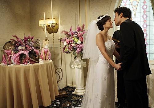 Josh Radnor e Lindsay Sloane in una scena dell'episodio Double Date di How I Met Your Mother
