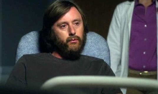 Medium: Jake Weber in una scena drammatica dell'episodio Deja vu All Over Again della sesta stagione.