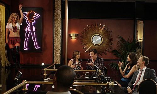 Neil Patrick Harris, Jason Segel, Cobie Smulders ed Alyson Hannigan nell'episodio Double Date di How I Met Your Mother