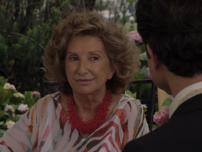 Norma Aleandro e Omar Metwally in una scena del film The City of Your Final Destination