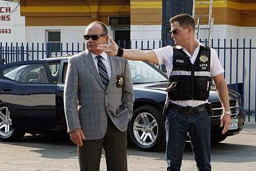 Paul Guilfoyle e George Eads una scena dell'episodio Coup de Grace di CSI