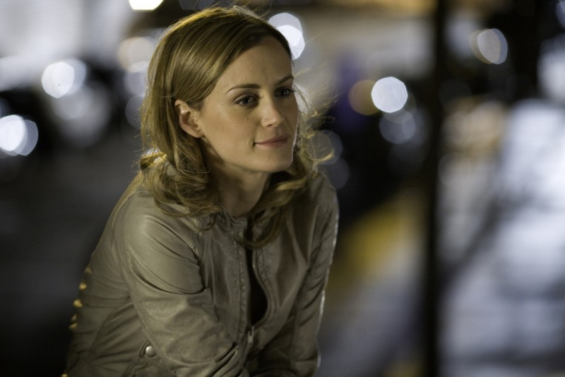 Taylor Schilling in un momento dell'episodio Can We Get That Drink Now? della serie Mercy