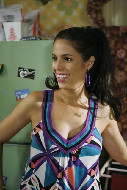 Ana Ortiz in una scena dell'episodio The Butterfly Effect della serie Ugly Betty