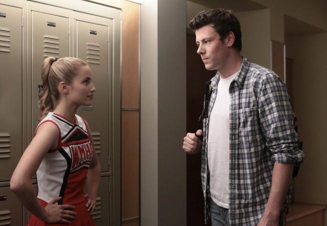 Dianna Agron e Cory Monteith in una scena dell'episodio Takedown della serie Glee