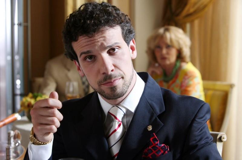 Francesco Montanari in un'immagine del film Oggi Sposi