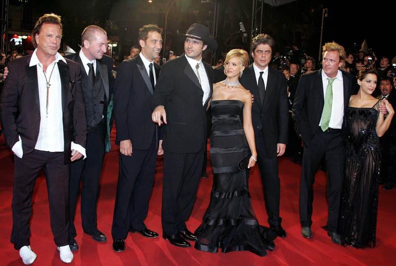 Il regista Robert Rodriguez e parte del cast del film Sin City a Cannes, alla premiere nel 2005