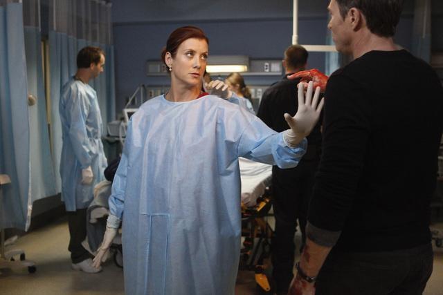 Kate Walsh e Timothy Daly in una scena dell'episodio A Death in the Family di Private Practice