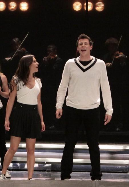 Lea Michele e Cory Monteith in una scena dell'episodio Takedown della serie Glee