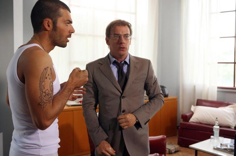Luca Argentero e Filippo Nigro in una scena del film Oggi Sposi