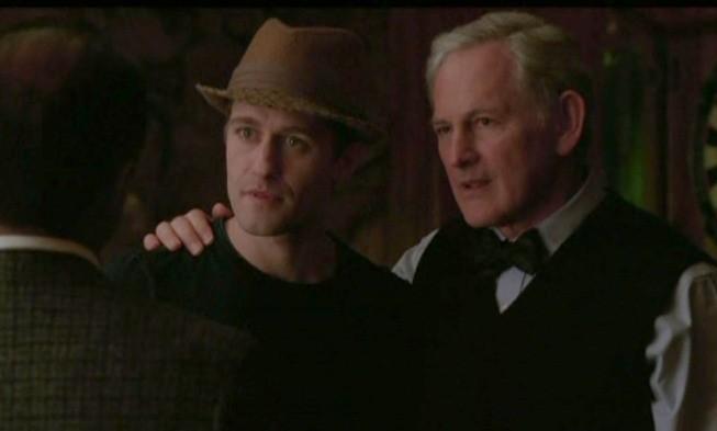 Matthew Morrison e la guest star Victor Garber nell'episodio Acafellas della serie Glee