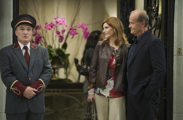 Melinda McGraw e Kelsey Grammer in una scena del pilot della serie Hank