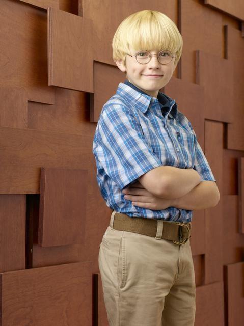 Nathan Gamble è Henry Pryor nella serie Hank