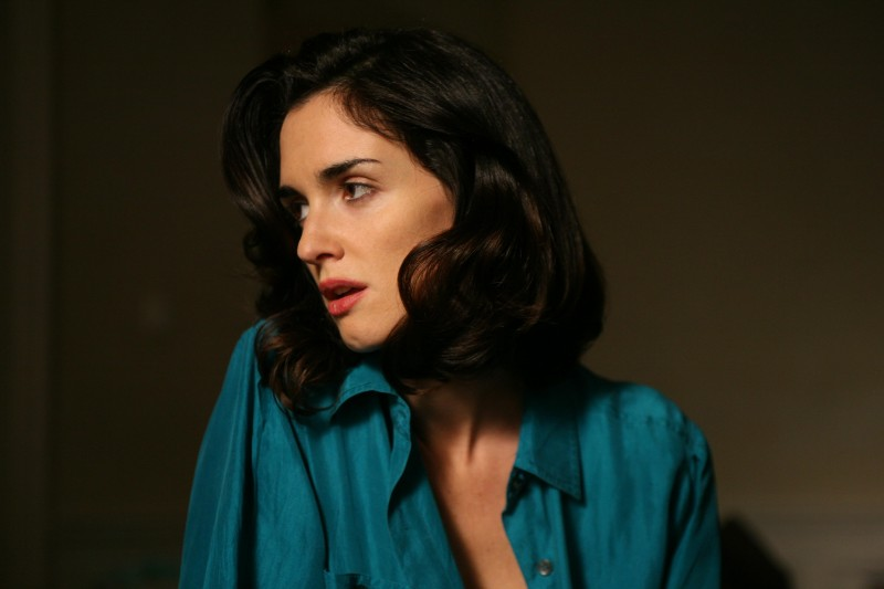 Paz Vega in una scena del film Triage