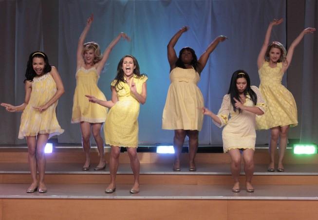 Una scena di ballo dell'episodio Vitamin D della serie Glee