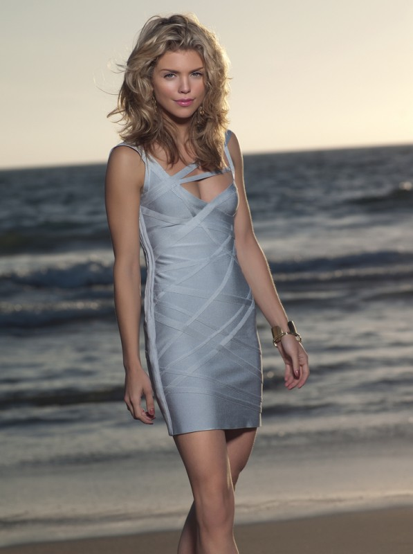 AnnaLynne McCord in una foto promozionale della stagione 2 di 90210