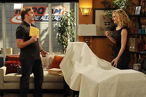 Jay Mohr e Brooke D'Orsay in una scena dell'episodio Gary's Demo di Provaci ancora Gary