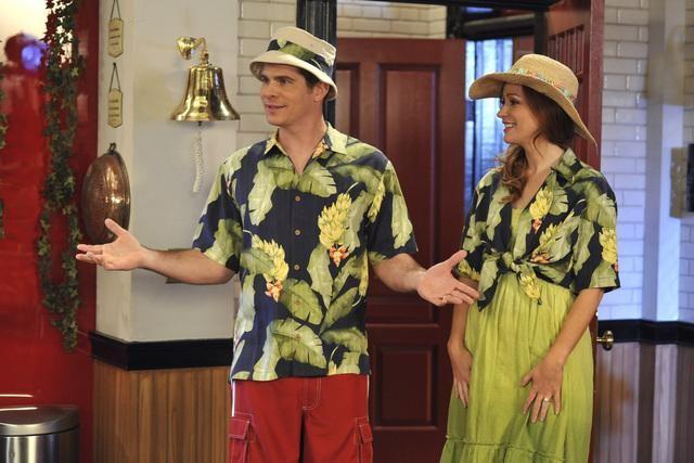 John Ducey e Rebecca Creskoff in una scena dell'episodio Home Not Alone della serie Jonas