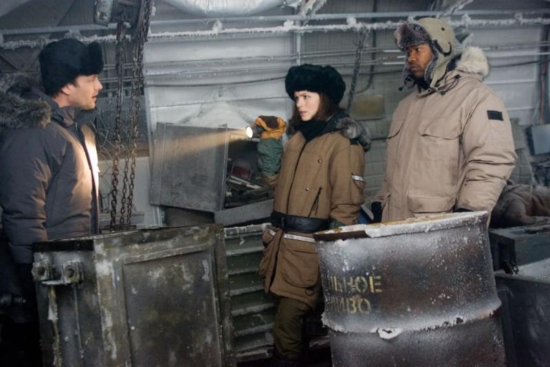 Kate Beckinsale in una scena del film Whiteout - Incubo bianco, diretto da Dominic Sena
