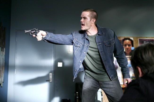 La guest star Garret Dillahunt in una scena dell'episodio Honey della serie Lie to Me