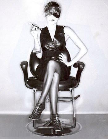 Una irriconoscibile Eva Longoria in versione fetish sul magazine Citizen K