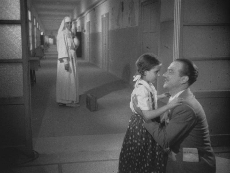 Una sequenza del film Domenica d'Agosto di L. Emmer
