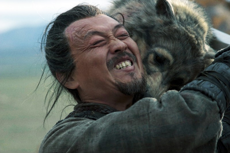 Una sequenza drammatica del film The Warrior and the Wolf