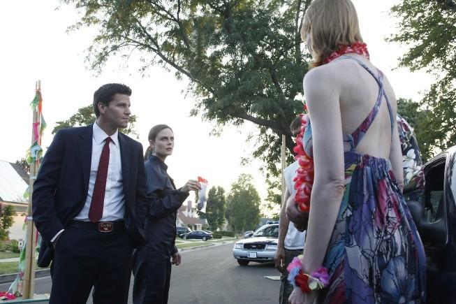 David Boreanaz ed Emily Deschanel in una scena dell'episodio Beautiful Day in the Neighborhood della serie Bones