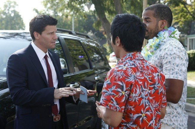 David Boreanaz in una scena dell'episodio Beautiful Day in the Neighborhood della serie Bones
