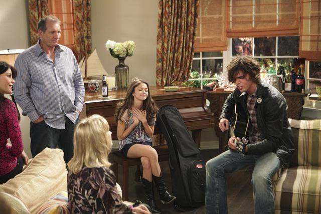 Sarah Hyland e Reid Ewing in un momento dell'episodio The Incident della serie Modern Family