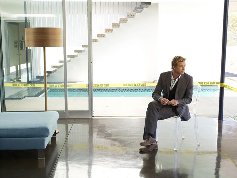 Simon Baker (Patrick Jane) in una foto promozionale di The Mentalist