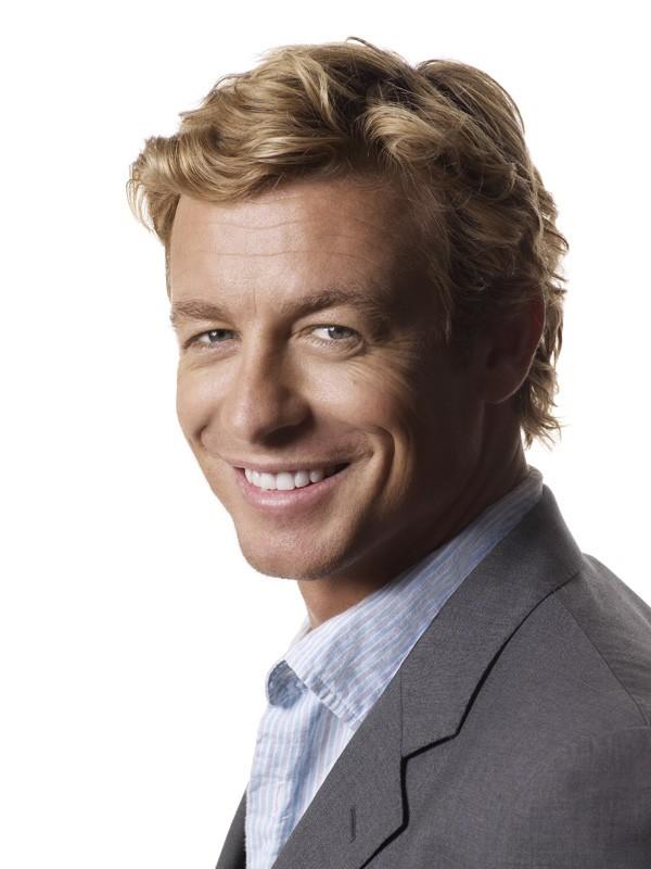 Un sorridente Simon Baker per la serie tv The Mentalist