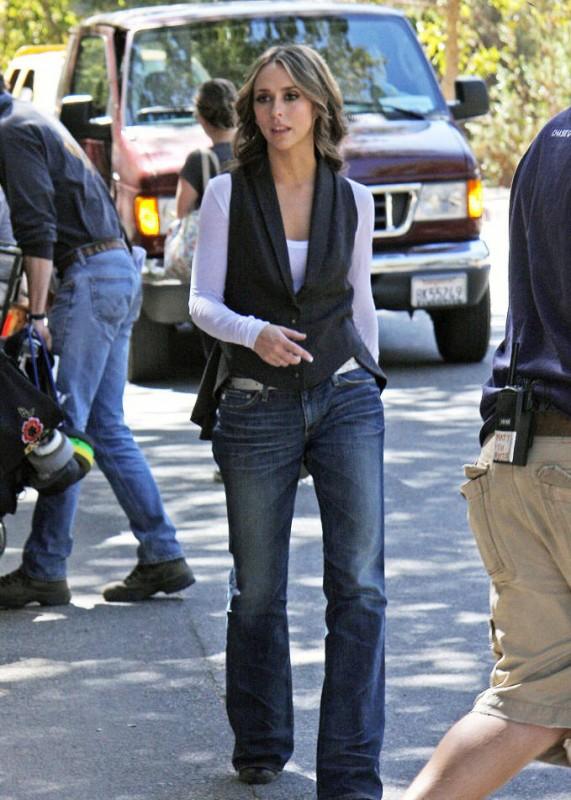 Ghost Whisperer: Jennifer Love Hewitt sul set della stagione 5 della serie tv