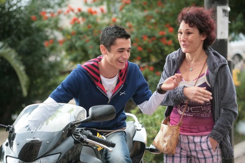 Giulio Beranek con Anna Ferruzzo in una scena del film Marpiccolo