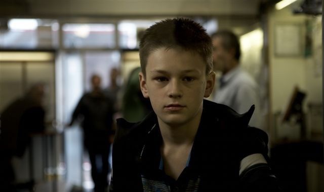 Kyle Ward è giovanissimo papà in A Boy Called Dad (2009)