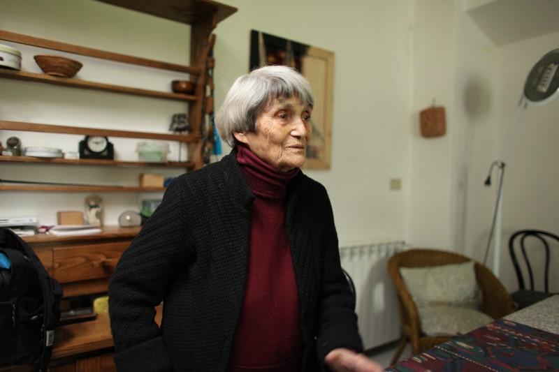 Una sequenza di Maria Lai. Ansia d'Infinito, il documentario di Clarita Di Giovanni dedicato all'artista sarda.