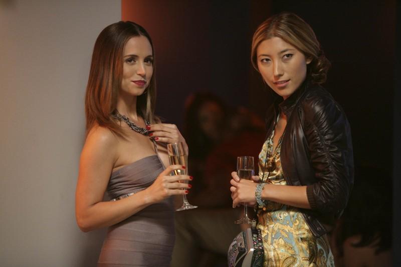 Dollhouse: Dichen Lachman ed Eliza Dushku in una scena dell'episodio Belonging