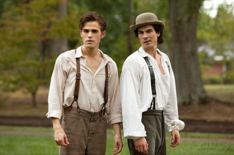 Stefan (Paul Wesley) e Damon (Ian Somerhalder) discutono, nell'episodio Lost Girls di The Vampire Diaries