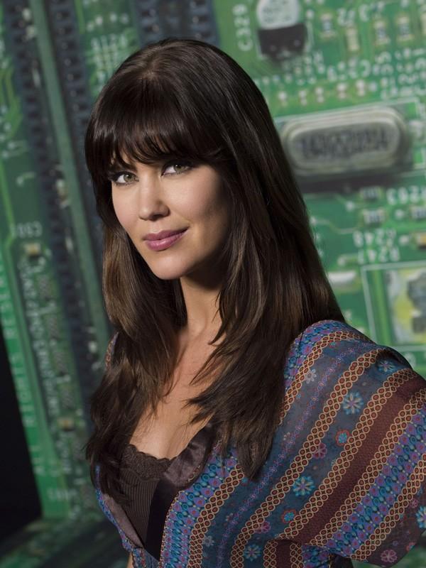 Sarah Lancaster in una foto promozionale per la prima stagione di Chuck