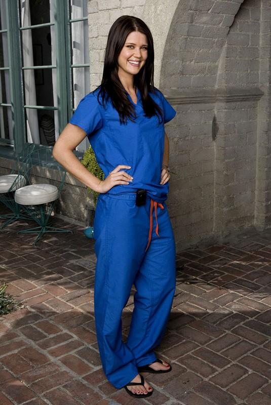 Un'immagine promo di Sarah Lancaster (Ellie) per la serie tv Chuck