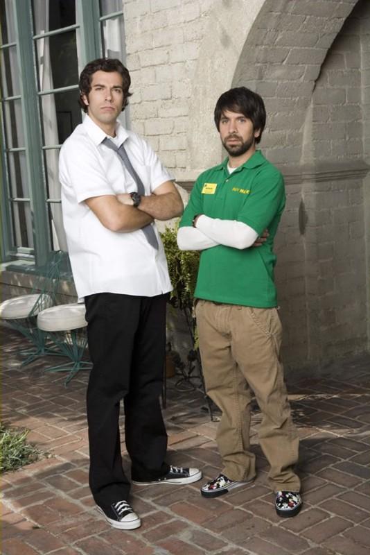 Un'immagine promo di Zachary Levi (Chuck) e il suo migliore amico Joshua Gomez (Morgan) per la serie tv Chuck