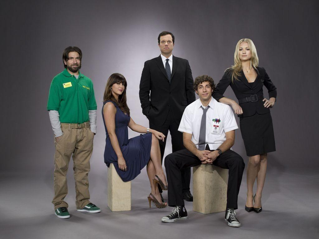 Un wallpaper di gruppo del cast principale della prima stagione della serie tv Chuck