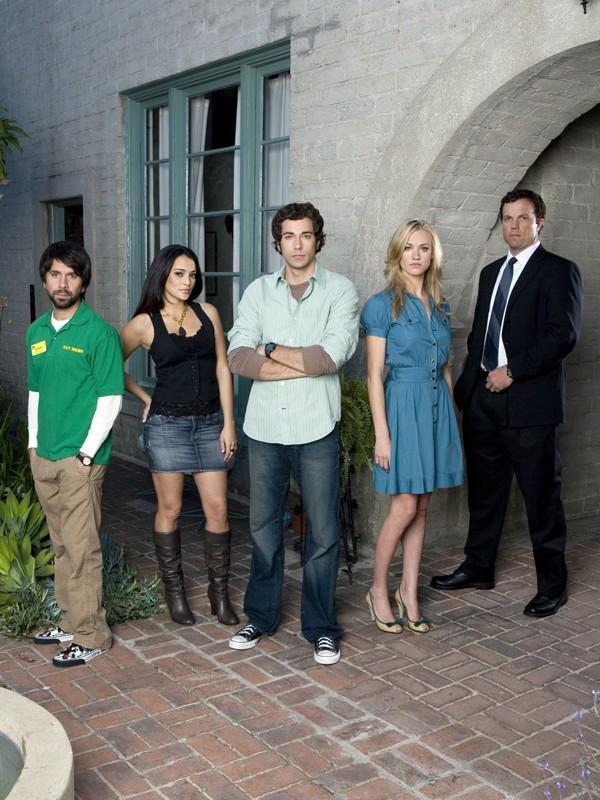 Una foto promo con il cast della stagione 1 per la serie Chuck