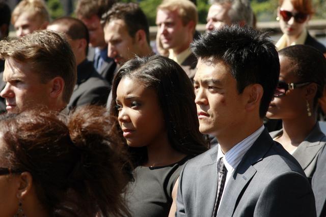 John Cho in una scena dell'episodio 137 Sekunden di FlashForward