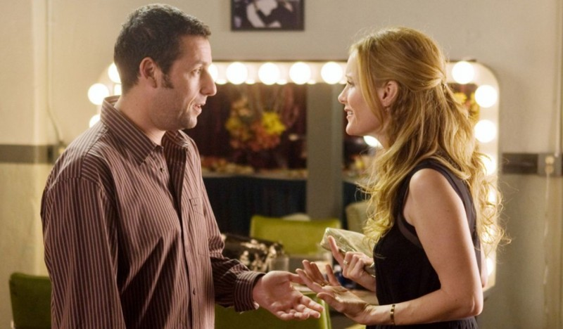 Adam Sandler e Leslie Mann in una scena del film Funny People