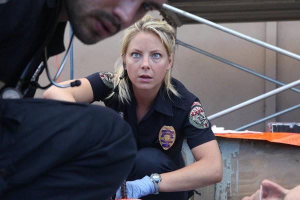 Anastasia Griffith in una scena dell'episodio Stuck di Trauma