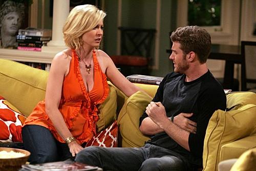 Jon Foster e Jenna Elfman in una scena dell'episodio One Night Stand di Accidentally on Purpose