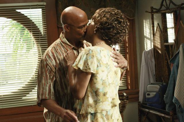 Michael Warren e Tina Lifford nell'episodio Relative Unknown della serie Lincoln Heights