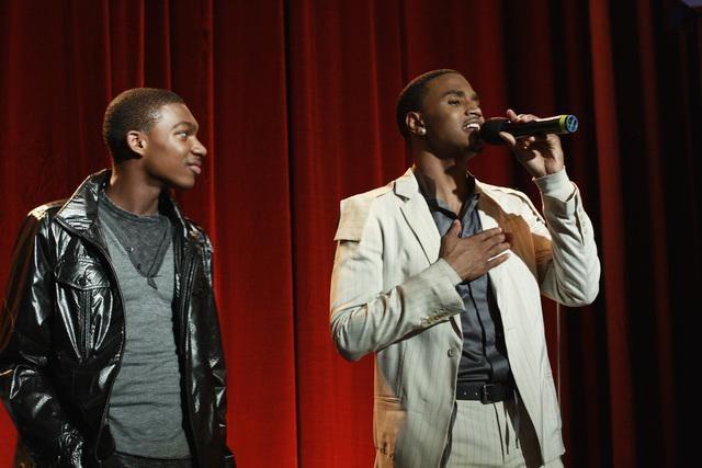 Mishon Ratliff e Trey Songz in una scena dell'episodio Relative Unknown della serie Lincoln Heights