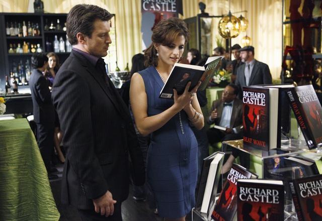 Stana Katic e Nathan Fillion in una scena dell'episodio When the Bough Breaks della serie Castle
