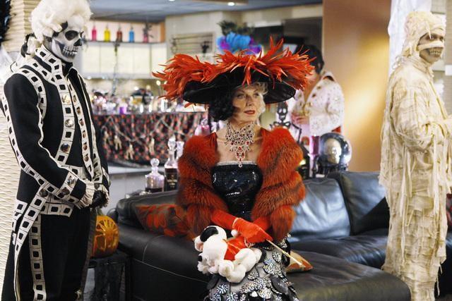 Susan Sullivan nell'episodio Vampire Weekend della serie Castle